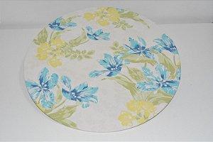 capa sousplat fundo branco com flores azuis e amarelas