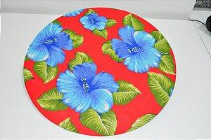 capa de sousplat fundo vermelho com flores azul