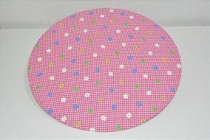 capa sousplat com fundo xadrez rosa e branco com florzinhas coloridas