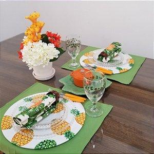 capa sousplat fundo branco com abacaxis laranja e verde