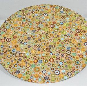 capa sousplat fundo bege com bolinhas coloridas
