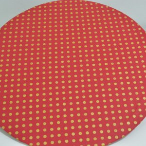 capa sousplat fundo vermelho com bolinhas  douradas