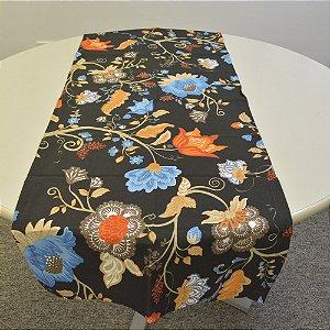caminho de mesa fundo preto com flores coloridas