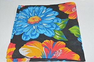 guardanapo fundo preto com flores