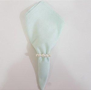 guardanapo de poá fundo verde claro com bolinhas brancas
