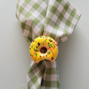 porta guardanapo donuts amarelo com granulado colorido