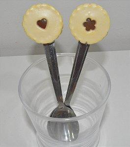 kit 2 colher de chá biscoito com coração e flor