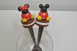Kit 2 colheres de chá bonequinhos Mickey e Minnie