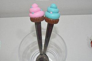 Kit 2 colher de chá bolinhos rosa e azul com bolinhas