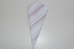 Guardanapo fundo branco com linhas vermelhas