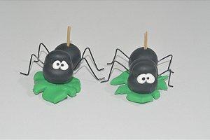 Porta doce formiguinhas em folhas