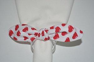 Porta Guardanapo tecido com corações vermelhos