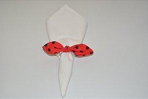 Porta Guardanapo de tecido fundo vermelho com bolinhas pretas