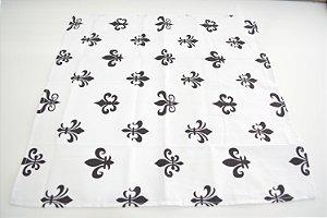 guardanapo fundo branco com desenhos preto