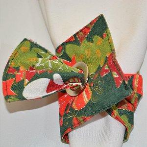Porta guardanapo de tecido fundo verde com árvores de Natal