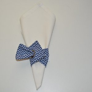 Porta guardanapo de tecido chevron azul e branco