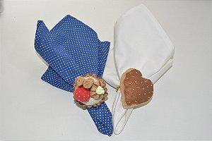 Kit 2 Porta guardanapos Feltro Confeito com morango e coração marrom