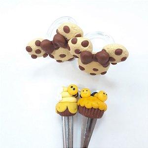 Kit Biscuit 2 pg's biscoito minnie e 2 colheres bolinho abelha