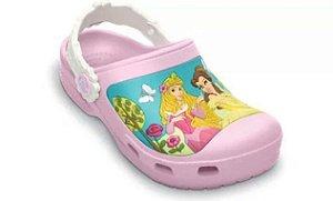 Crocs das Princesas (Bela, Rapunzel e Aurora)