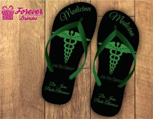 Chinelo formatura medicina verde preto símbolo