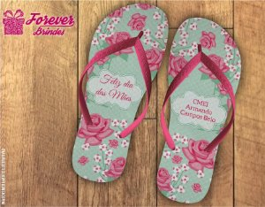 chinelo Dia Das Mães com lindas rosas