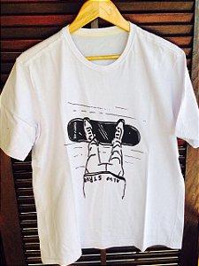 Camiseta Standing