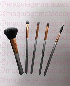 Kit 5 Pincéis para Maquiagem Meiustar Deluxe Cosmetic Prata