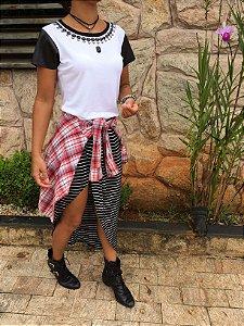 T-shirt Bordados + mangas de couro