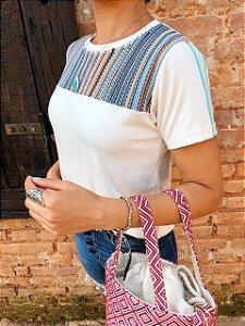T-shirt Telinha com faixa nas mangas