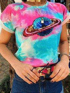 T-shirt Tie Dye com Estampa em Paetê