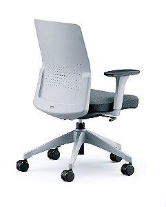Cadeira Giratoria 17201 Syncron, Encosto Plástico Cinza, Aranha UP Cinza, Rod. 65 Nylon, Braço SL Cinza, Injetado