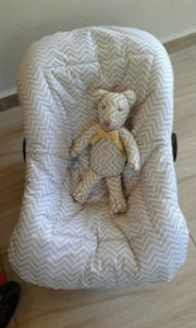 Capa para Bebê Conforto - Chevron Bege- Pequeno Brilhante