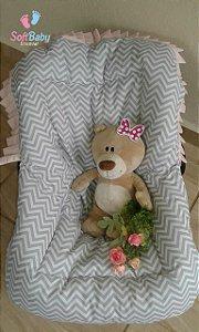 Capa para Bebê Conforto - Chevron cinza e Rosa
