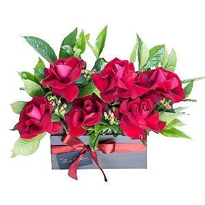 Jardineira de Madeira com Rosas Colombianas