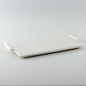 Bandeja retangular de louça branca