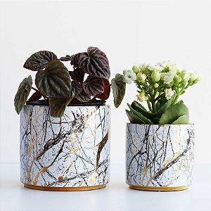 Jogo de vasos de cerâmica branco e dourado