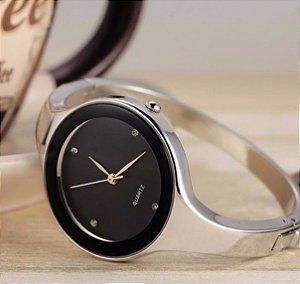 Relógio Feminino em aço Glamour