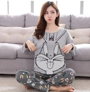Pijama Feminino Pernalonga