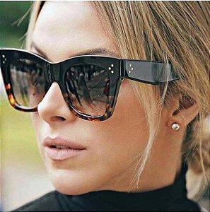 Óculos de Sol Feminino Design Clássico