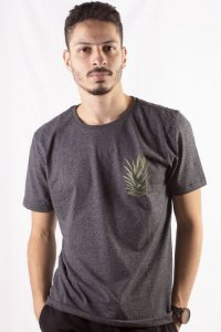 CAMISETA MASCULINA TROPICAL COROA