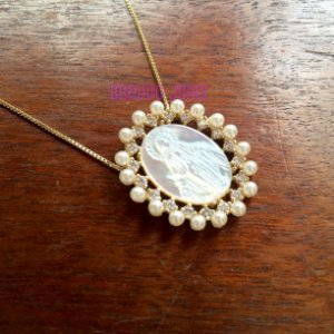 Colar Medalha Milagrosa  Pérolas - Semi Jóia Ouro