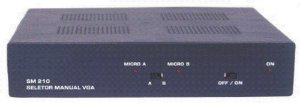 Seletor/Distribuidor de Vídeo VGA/WXGA 2 Entradas by-pass e 4 Saídas Iguais - SD240