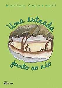UMA ESTRADA JUNTO AO RIO