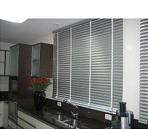Persiana Horizontal PVC 50 mm com fita Largura 1,35 x 1,35 Altura Cinza
