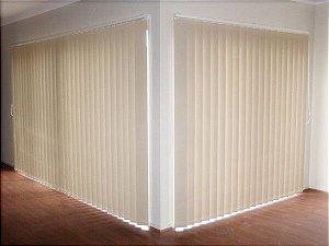PERSIANA VERTICAL PVC LARGURA 1,50 X 1,50 ALTURA MARFIM