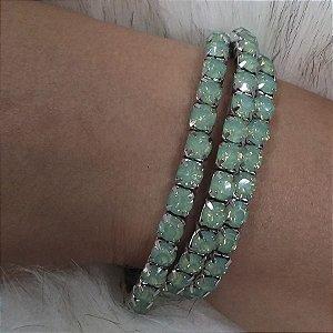 pulseira de estras cor verde leitoso