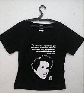 Camisa com Estampa de Hannah Arendt Babylook