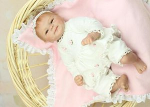 Bebê Reborn Amy de 40 cm