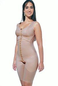 Cinta Modeladora pós cirúrgica, com bojo costurado e frente subdividida,