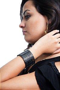 Pulseira Bracelete com Desenhos Preta